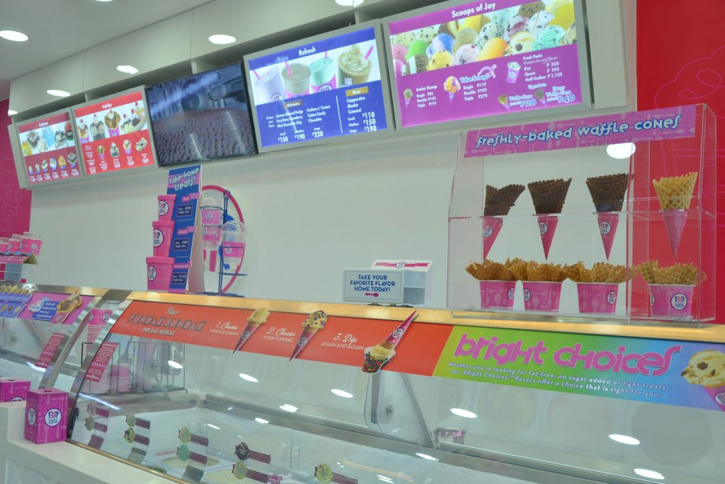 baskin-robbins_scooping-happiness-at_photo-2